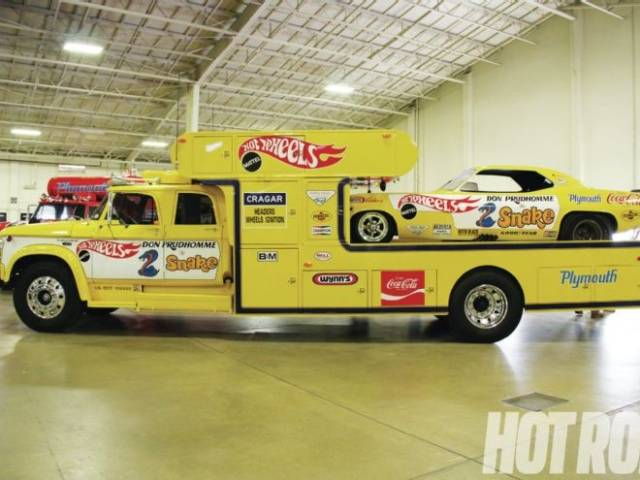 don-prudhomme-hot-wheels-d700.jpg