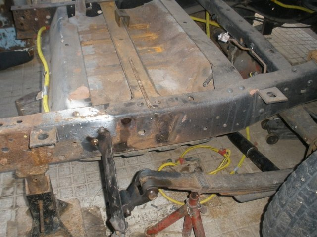 mopar  lowering truck 002.jpg